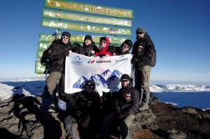"""Команда """"Килиманджаро 2014"""" на вершине вулкана"""